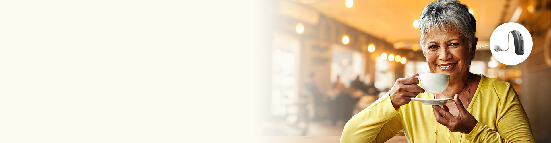 woman_smiling_in_restaurant