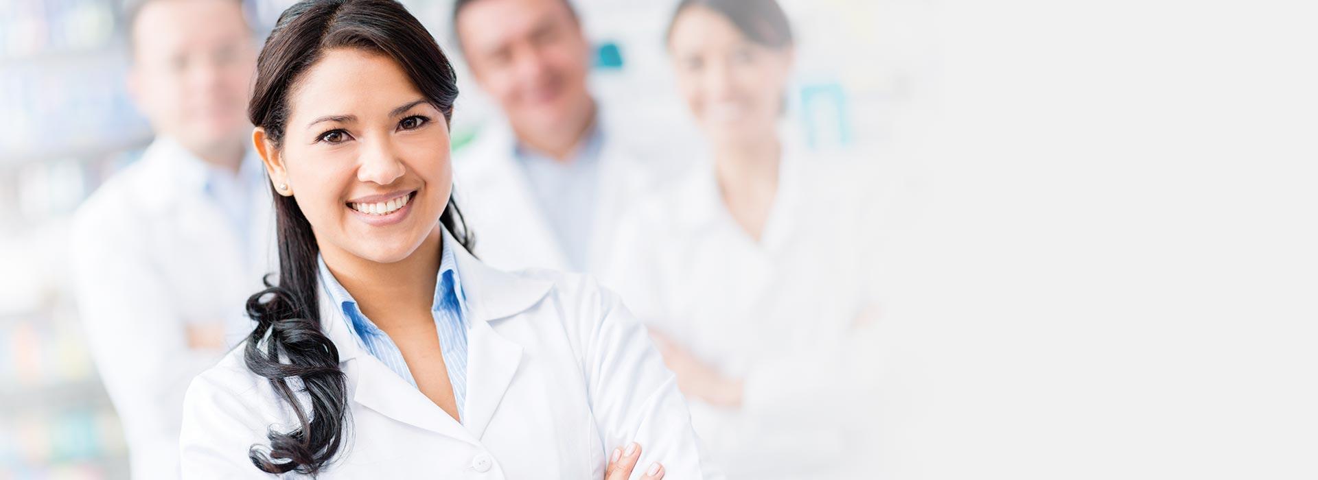 audiologist-and-team_slim