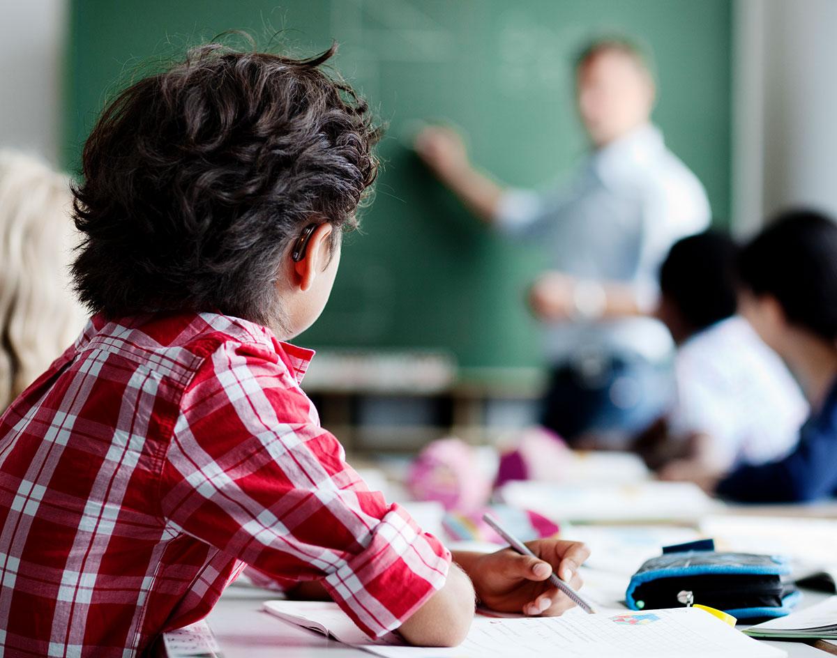 classroom-text-image-spot-amigo-1200x944-v1