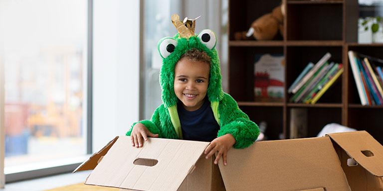 children-playing-in-box-opn-play-768x384-v1